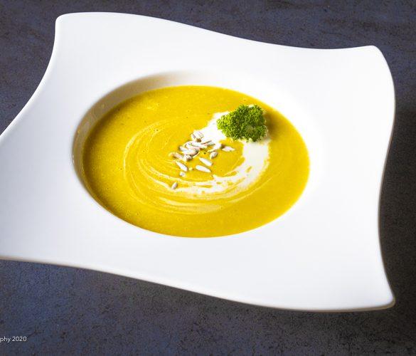 Cremet Hokkaido suppe med røde linser og ingefær | Have til Bord