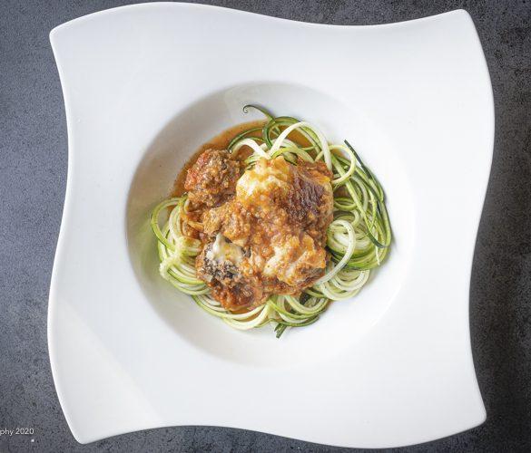 Italienske kødboller i tomatsovs med squash strimler | Have til Bord