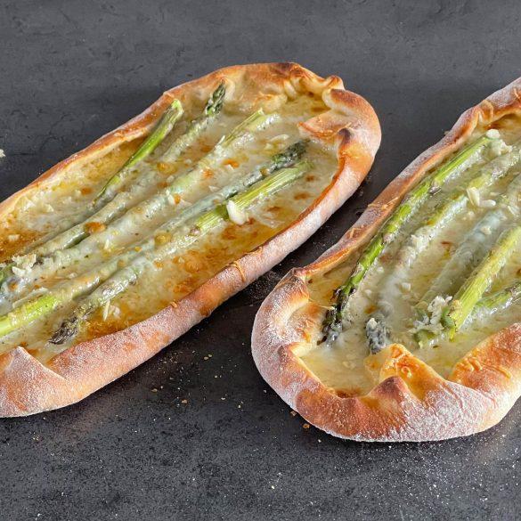 Pizza-med-gronne-asparges-HaveTilBord